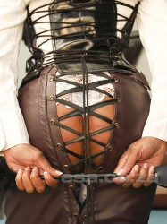 Click Mistress Kira's picture for more information